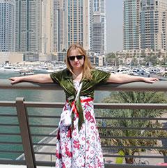Девушка и небоскребы